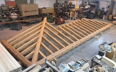 Realizzazione tetto con incastri